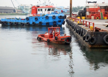 Tugboat-Singapore