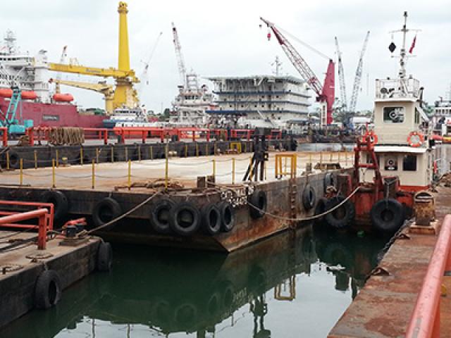 150 Feet Barge