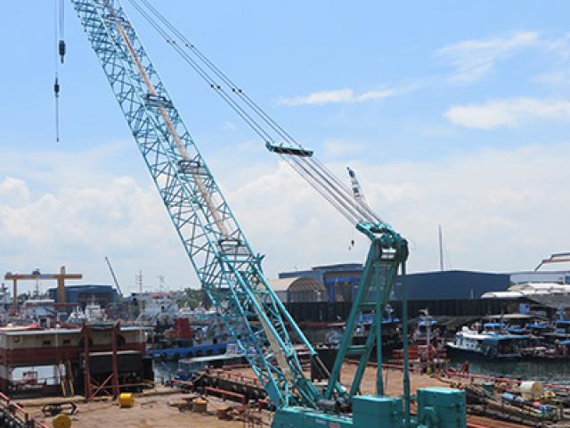 180 Ton Crane Barge
