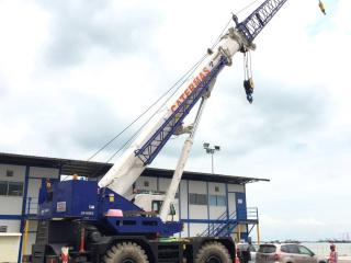 rough-terrain-crane-2