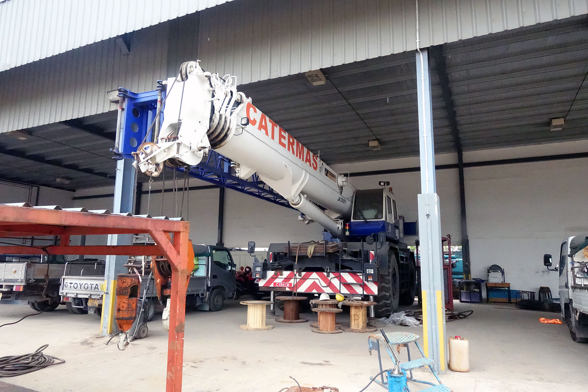 rough terrain crane 1